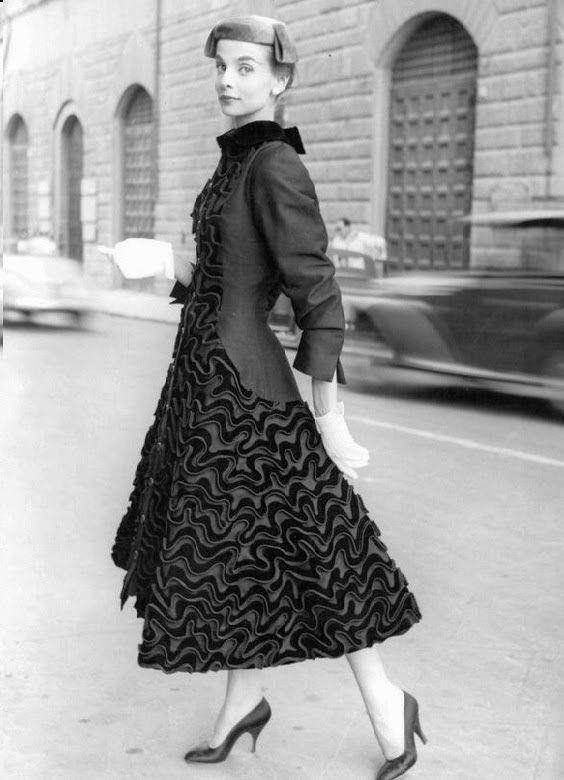 1950s, A dress and Irises on Pinterest