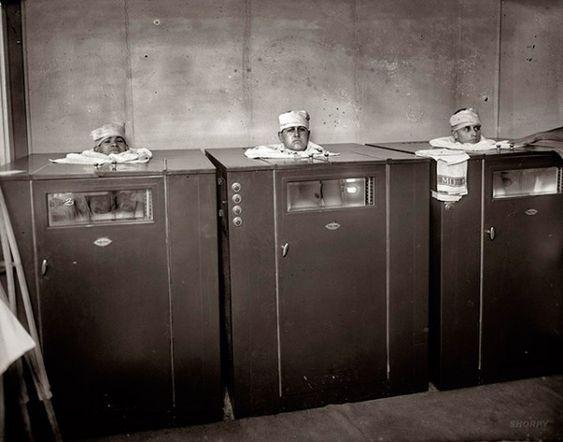 Isso era uma sala de fisioterapia de Walter Reed, em 1920.