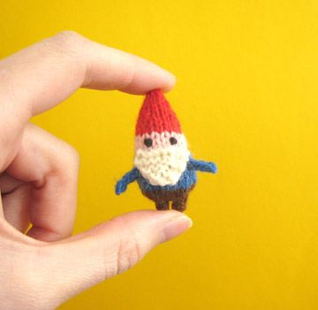 Mochi-Mochi land has the best tiny knitting patterns! They are all cute anima...