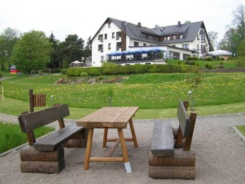 Hotel Waldesruh (***)  DURANDO DALL'AMICO has just reviewed the hotel Hotel Waldesruh in Lengefeld - Germany #Hotel #Lengefeld  http://www.2look4beds.com/en/hotel/Germany/Lengefeld/Hotel-Waldesruh/1794330