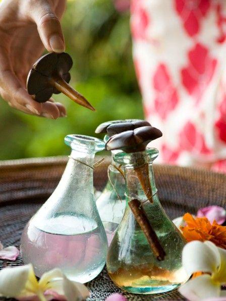 Sie riechen nicht nur gut, sie machen uns auch schlank: Diese 3 ätherischen Öle helfen beim Abnehmen.