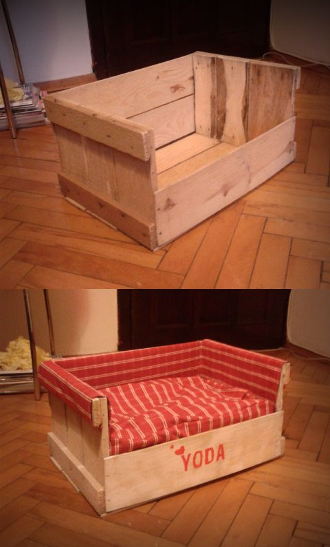 I love this idea! You can make it out of old pallets if you want! then cover it with what ever fabric you'd like. www.rlhydelabradors.com: