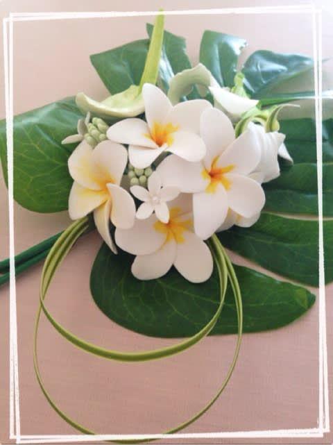 夏はフェイクプルメリアで可愛いハワイアンインテリアを実現させよう 2020 エキゾチックな花 ハワイアンインテリア プルメリア