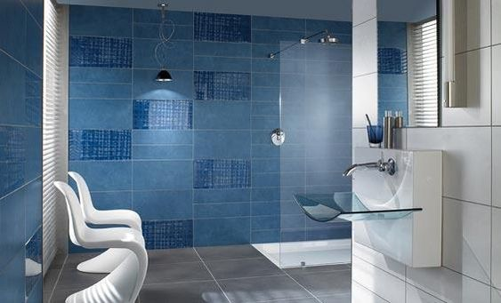 Gama de colores azules: Interior Design, Bathroom Design, Tile Design, Small Bathroom, Modern Bathroom, Design Bathroomtiledesigns, Bathroom Idea, Bathroom Tile, Blue Bathroom