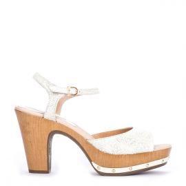 Sandalia pulsera Weekend by Pedro Miralles en piel color blanco grabada #shoes #ss16 #inspiration  #shoeporn #sandals #zapatos #moda #calzado #madeinspain