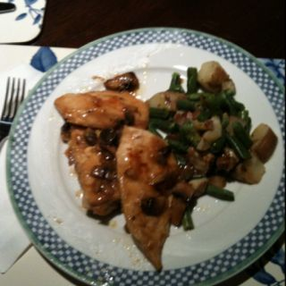 Chicken Marsala with potatoes, rosemary and string beans