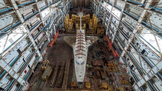 Los transbordadores Little Bird y OK-MTllevan22 años ocultos en el cosmódromo de Baikonur, en las estepas deKazajistán,