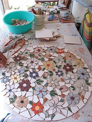 mosaik gartentisch rund mosaic pinterest. Black Bedroom Furniture Sets. Home Design Ideas