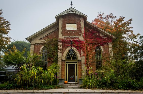 お宅拝見:変わりだねの建物編・教会に住む