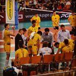 Z niedzielnego meczu. <3 Ja taki zdolny fotograf, nie spodziewałam się tego. ^ ^ #mecz #PGESkra #Skra #Bełchatów #SkraBełchatów #vs #Asseco #Resovia #Rzeszów #Sovia #3do0 #30listopada #AtlasArena #Atlas #Arena #Łódź #sektorF #Skrzaty #kibic #GoSkra #ŻółtoCzarni #nadal #mamy #lidera #PlusLiga #siatkówka #siatkarze #volleyball #Mistrzowie #halaEnergia