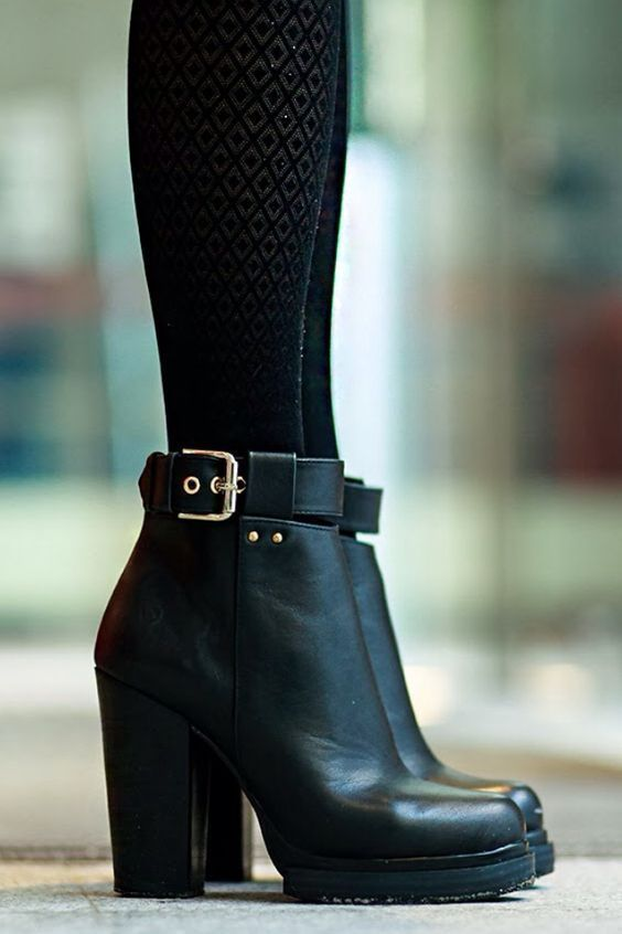 Three Comfortable and Fashionable Black Boots That I Couldn