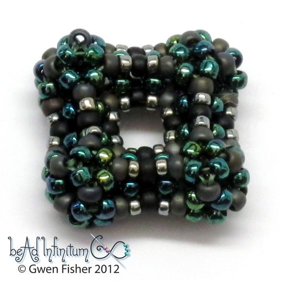 gwenbeads: Cubic Super Right Angle Weave CSRAW plus a video how to
