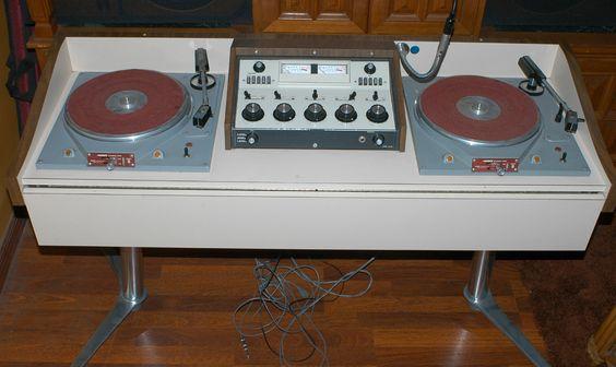 Vintage DJ?  Yep, I've spun 'em on Russco 3-speeds, myself!  Ask me if I'd like to own this set-up!  Hillbilly Hollywood Hotness!