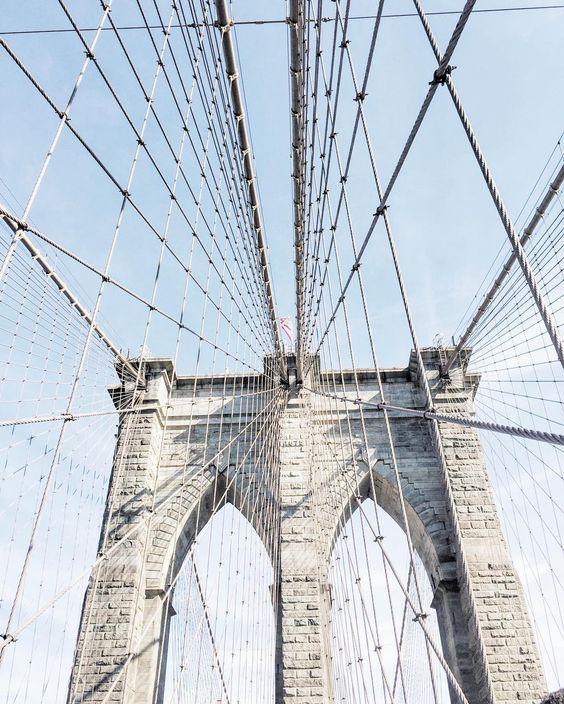 Walk across the Brooklyn bridge? ✔️ (and major swoon!)