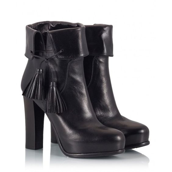 Fratelli Karida - Black soft leather tasseled folded-cuff high heel... (16.730 RUB) ❤ liked on Polyvore featuring shoes, boots, ankle booties, black, high heel ankle boots, black high heel booties, black ankle bootie, fold over ankle boots and ankle boots