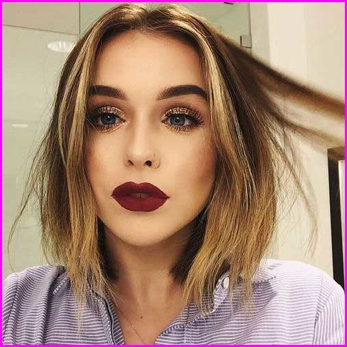 50 Short Hair Color Ideas For Women If You Want A Unique Look You Must Try This Hair Color Color Your Low Bob Hairstyles Wavy Bob Hairstyles Short Hair Color