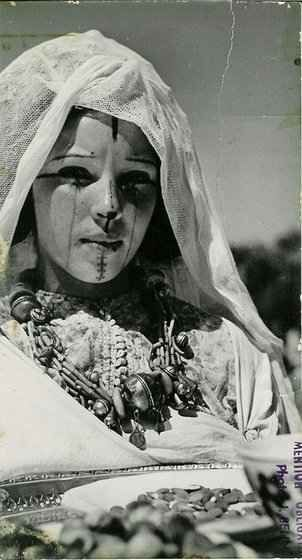 ouled djellal jewish girl personals Algerian woman of ouled nail tribe wearing a dress like jewish women wore (pharyah) nb notice muslims did not cover their hair at that time  ouled djellal .