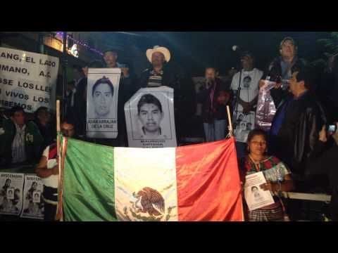 """""""Quizá estábamos dormidos, pero hoy Ayotzinapa nos despierta"""" (Santo Dom..."""