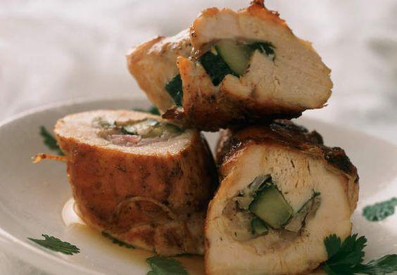 Roulés de poulet au concombreVoir la recette des Roulés de poulet au concombre >>