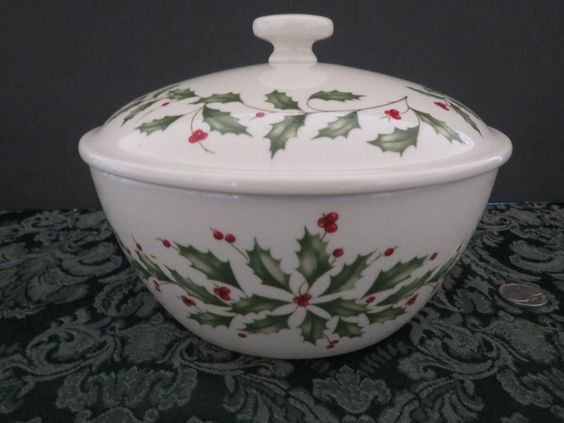 Lenox Christmas Holiday Holly Covered Serving Bowl Casserole Dish ...