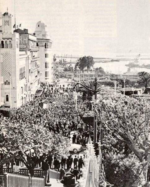 Alger Un Carrefour Historique En Plein Centre Ville Le Cœur D Alger S Etait Le Plateau Des Glieres De La A Quelques Pas D Bab El Oued Alger Alger La Blanche