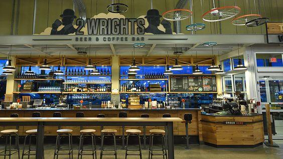 Der Designpreis von EHI und Messe Düsseldorf wird an drei Handelskonzepte vergeben. Eines von ihnen ist Whole Foods Market in Dayton, Ohio. Im Mittelpunkt des standortbezogenen Designs stehen die berühmten Söhne der Stadt, die Flugpioniere und Fahrradbauer Orville und Wilbur Wright.