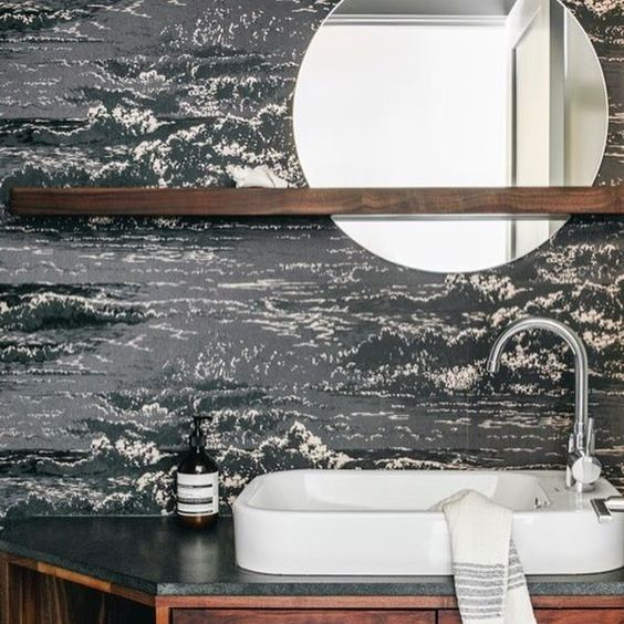 It's #MakeoverMonday! We know that for our editor @helloireneedwards' #SunsetMakeover Victorian remodel, wallpaper was on the wish list! It makes a splash in this bathroom designed by #lklprojects and @andreafaucett! --@lklprojects (📷: @aubriepick)