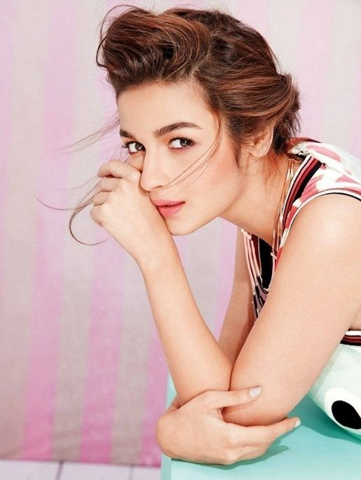 Alia Bhatt to get more hd and latest photo click here http://picchike.blogspot.com/