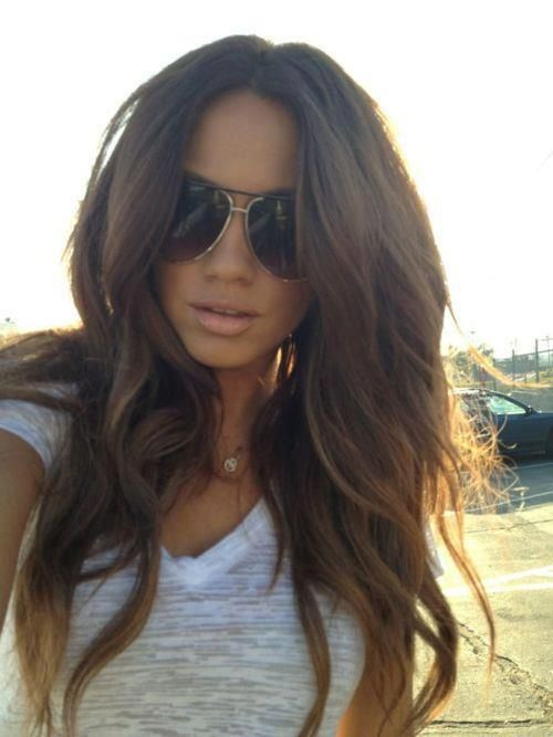 This hair, aviator glasses and cute T would even make your granny panties look sexy. #loledeux