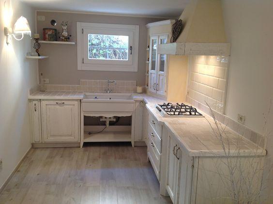 Cucina in muratura in stile provenzale arredi - Stile provenzale cucina ...