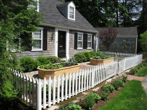 cl ture basse en bois de couleur blanche jardin pinterest jardins beautiful et couleurs. Black Bedroom Furniture Sets. Home Design Ideas