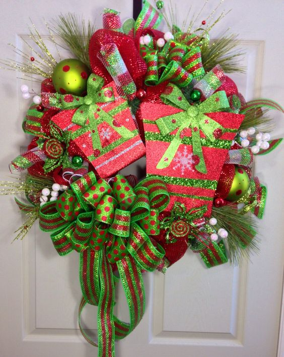 Present Christmas Mesh Wreath by WilliamsFloral on Etsy
