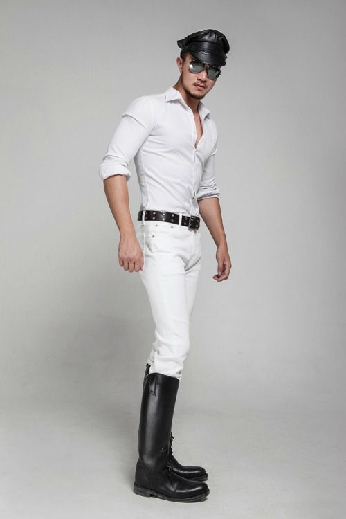 Japanese man in White Jeans boots and Cap.  Guys♥  Pinterest