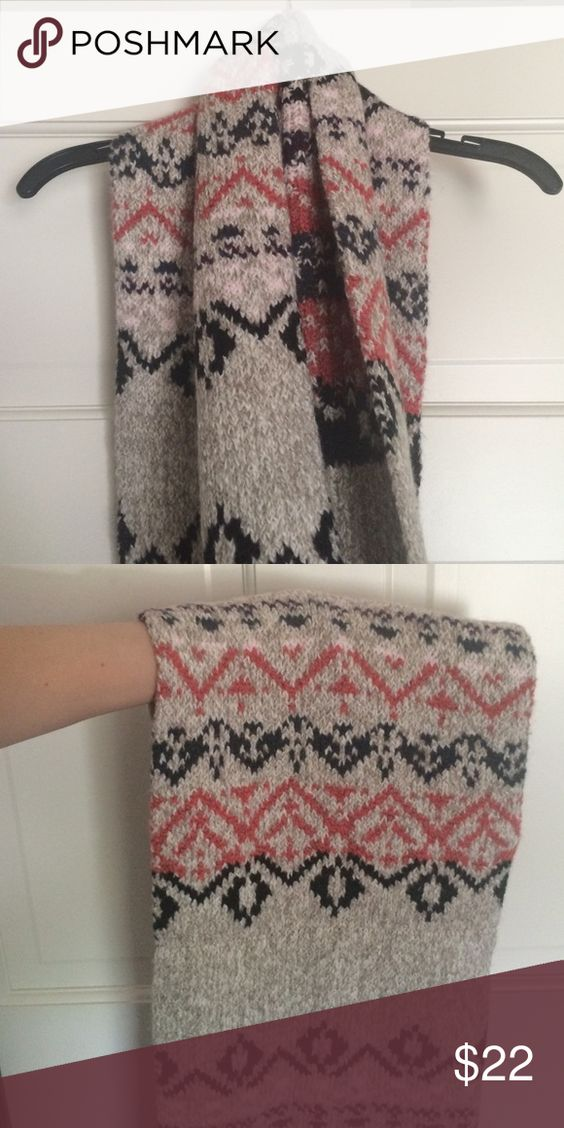 Aztec Patterned Scarf NWT; warm and cozy American Eagle Outfitters Accessories Scarves & Wraps