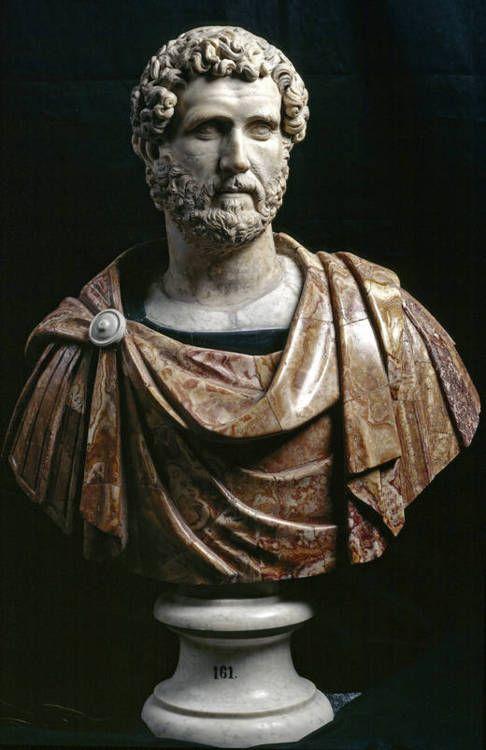 Escultura: Busto. Antonino Pio, Lanuvium Italia, gobernante del Imperio Romano, fue uno de los 5 Buenos emperadores