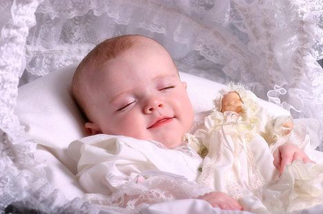 Google Image Result for http://www.babyphotoswallpapers.com/wp-content/uploads/2011/08/cute-baby-05.jpg