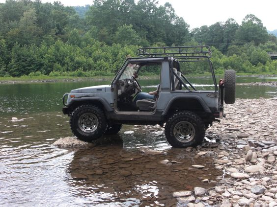 zuk in the creek with the calmini roof rack samurai. Black Bedroom Furniture Sets. Home Design Ideas