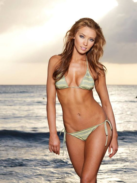 Emma Mary — Dallas Cowboys Cheerleaders | ;-);-)! | Pinterest ...
