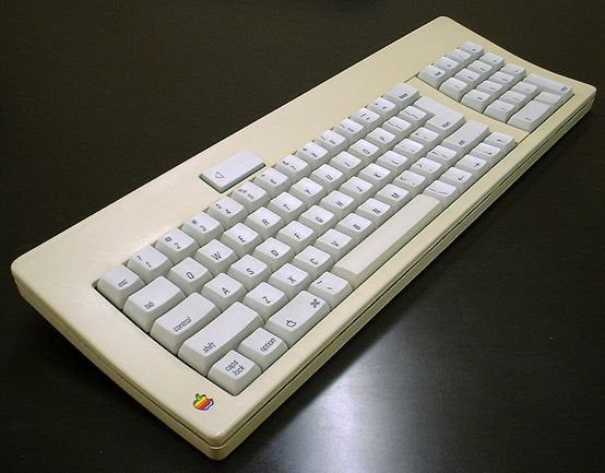 Little Old But The Satisfaction Is Over The Wall Vintage Mechanicalkeyboards Apple Keyboard Keyboards Keyboard