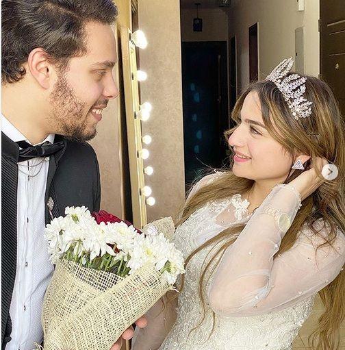 زواج أحمد حسن على زينب يظهر سخرية على عقول المتابعين اليمن الغد Bride Marriage Married