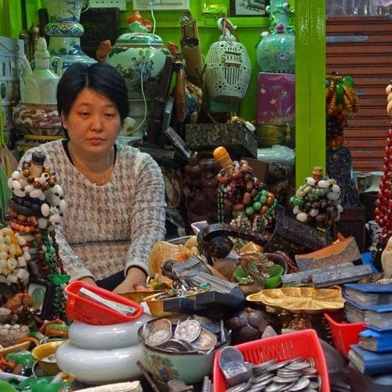 Marchande de souvenirs - Hong Kong