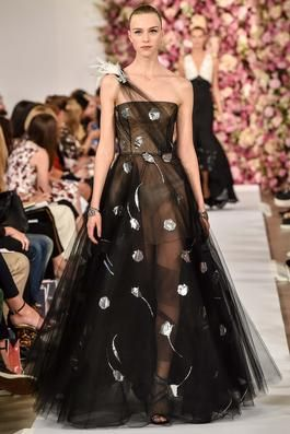Oscar de la Renta Spring 2015 Ready-to-Wear Fashion Show: Complete Collection - Style.com
