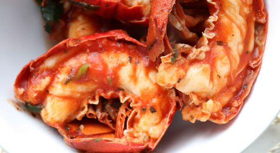 Un sofisticato piatto di mare adatto ai giorni di festa... Aragosta all'americana