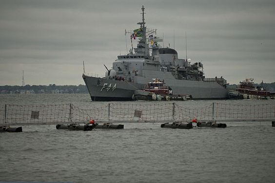 NORFOLK (April 19, 2012) A Brazilian navy frigate BNS Independencia (F44) prepares to moor at Naval Station Norfolk. Independencia is in Norfolk for a visit sponsored by the guided-missile destroyer USS Jason Dunham (DDG 109). (U.S. Navy photo by Mass Communication Specialist 2nd Class William Jamieson/Released)