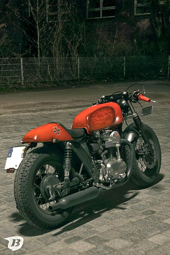 kawasaki w650 cafe racer -love the proportions of the rear wheel
