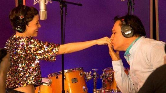 Natalia Lafourcade le dedica carta a Juan Gabriel