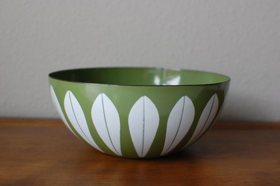 Cathrineholm 8 green white lotus enamel bowl by TheVintageSouth