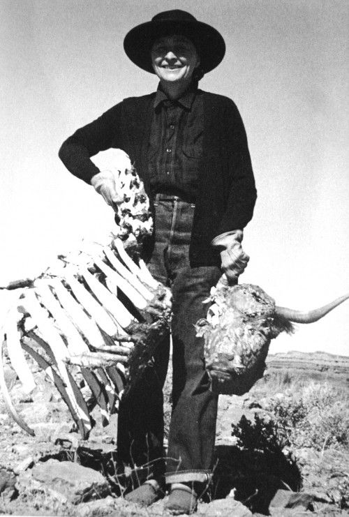 Georgia O'Keeffe with skull and bones.