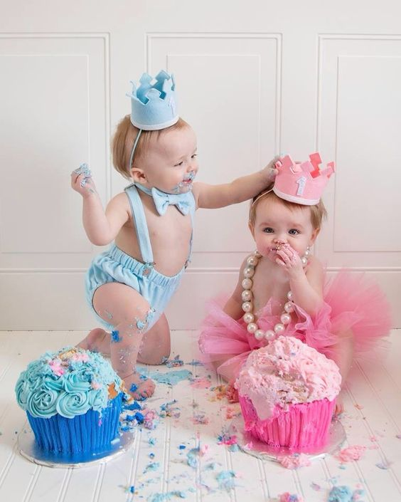 Twins First Birthday The Twins Pinterest Twin Cake