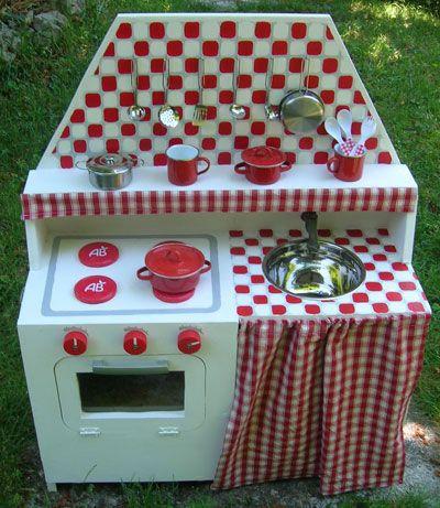Cuisini re en bois enfant fabriquer un jouet loisirs cr atifs playhouse - Cuisiniere enfant ikea ...